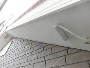 軒裏塗装  ローラー及び刷毛にて塗装下地によりますが基本的には艶消し仕上げ