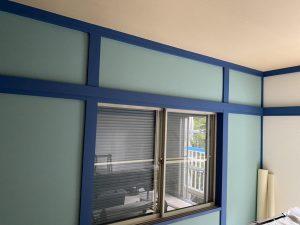 部屋木枠塗装